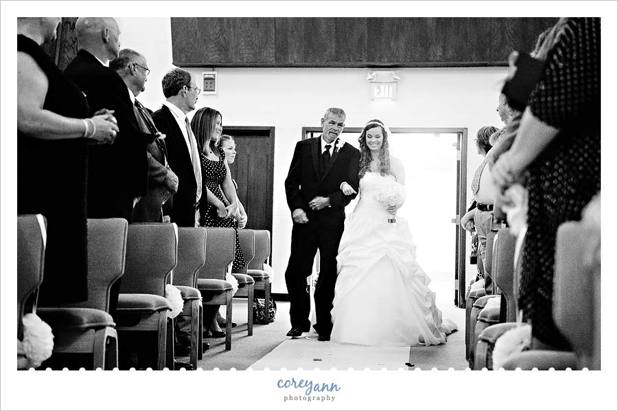 bride and father walking down aisle in dover ohio