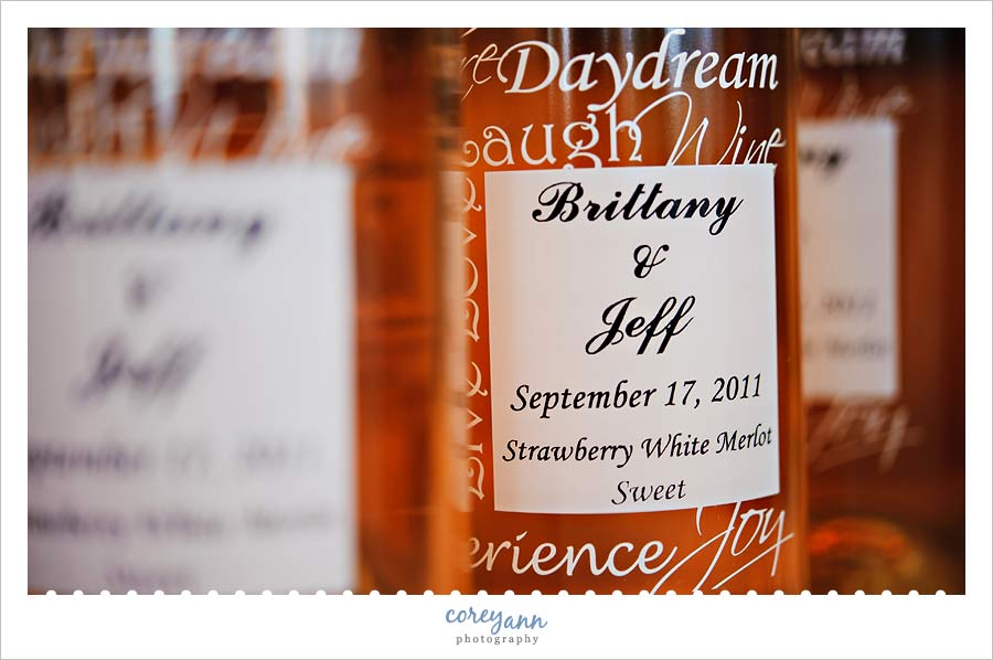 bride and groom custom wine