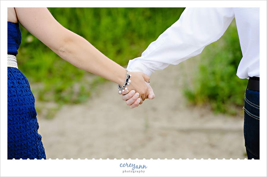 engagement picture holding hands in ohio