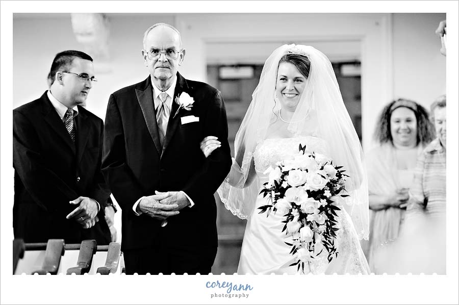 father walking his bride down the aisle in bloomfield ct